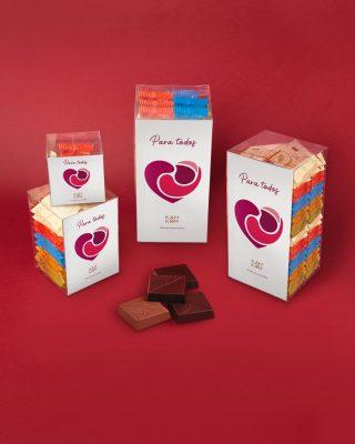 Regalos para todos, incluso para ti mismo, nuestros #GiftBoxes de chocolate 40%, 55%, 62%, 70% y 82% cacao.  ¿A quién se lo regalarías?  #Kahkow #KahkowLovers #KahkowParaTodos