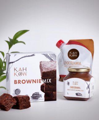 Nuestro objetivo es que cada producto Kahkow sea una representación del desarrollo armónico de nuestra cultura; de nuestra marca país, República Dominicana.  Encuéntralos a través de www.kahkow.do y en @kahkowexperience @bluemallsd y @bluemallpc.  #Kahkow #KahkowLovers #ChocolateDominicano #ChocolateArtesanal