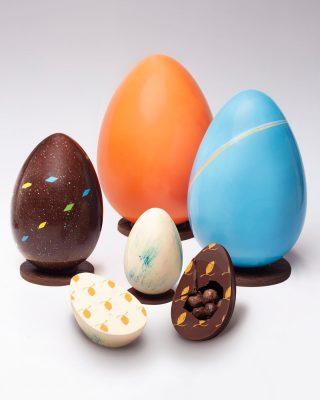 ¡🐰Pascua está aquí y nuestros huevos también🐣!.  Puedes ordenar nuestra colección limitada a través de nuestras tiendas físicas, por www.kahkow.do o nuestro WhatsApp 829-292-5311✨  #Kahkow #KahkowLovers #ChocolateArtesanal #ChocolateDominicano #Pascua2021