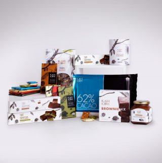 """A través de los recursos gráficos que utilizamos en nuestra línea de productos, queremos rendir tributo a la cultura cacaotera.  Hablamos de """"Sembrar arte es cosechar cultura"""" a través de nuestro blog www.kahkow.do/blog  #Kahkow #Culturakahkow #KahkowLovers #ChocolateDominicano #ChocolateArtesanal"""